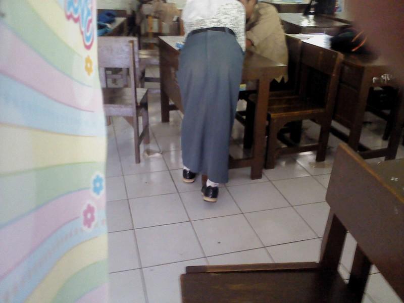 Tante Bispak Sange Nungging Pamer Pantat Semok Pic 27 of 35