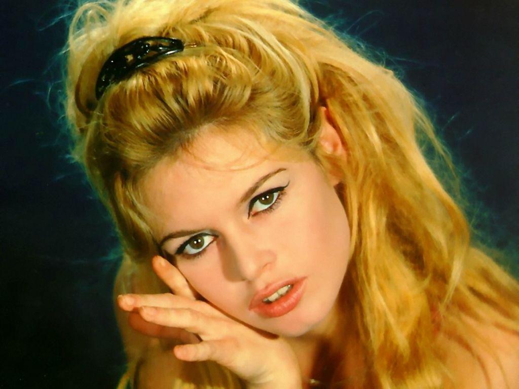 http://4.bp.blogspot.com/-X-81mFEenBg/Tybmvd6bBHI/AAAAAAAACWQ/pGWDOLDp4xY/s1600/Brigitte+Bardot6.jpg
