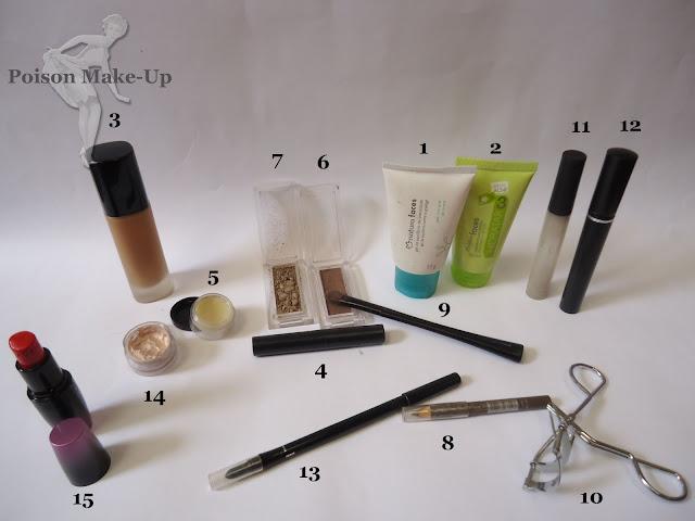 Produtos usados na make com sombra dourada e marrom