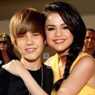 Justin Bieber Selena Gomez pergi bercuti bersama