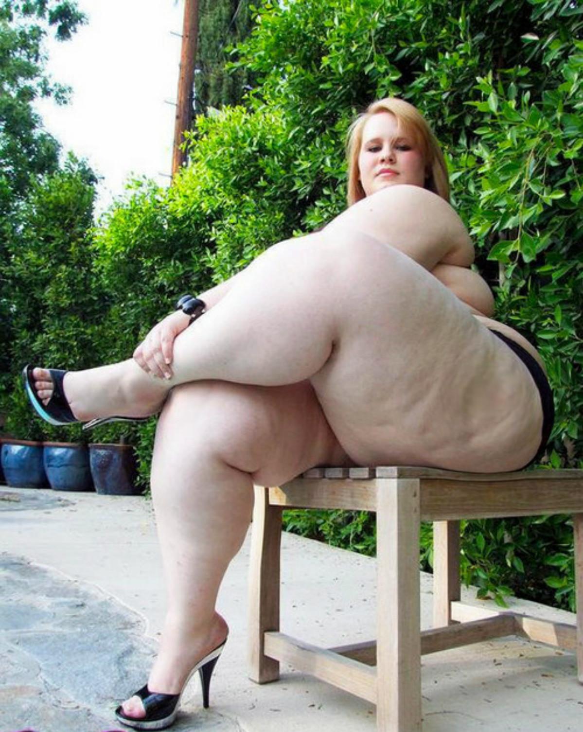 Эро фото женщин с толстыми бедрами 19 фотография