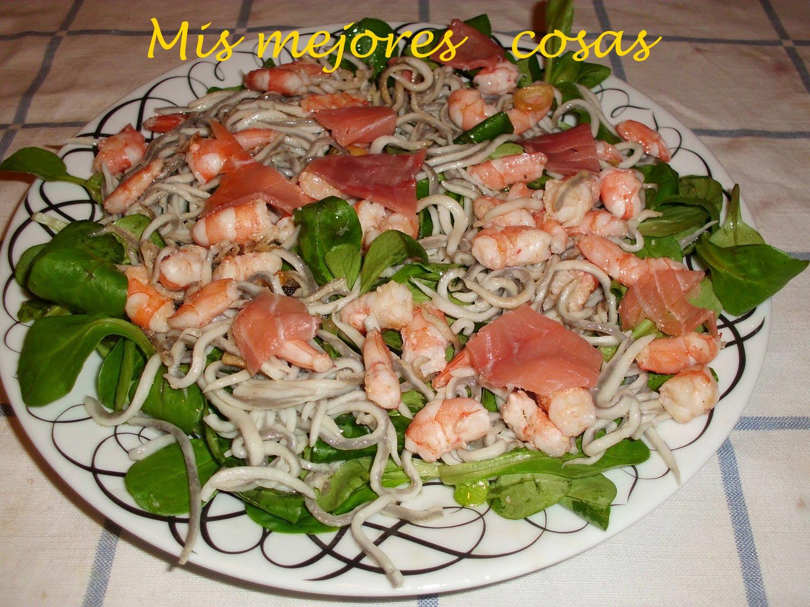Mis mejores cosas ensalada de canonigos gulas langostinos - Ensaladas con canonigos ...