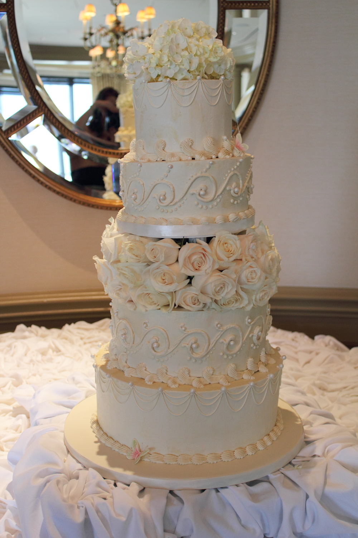 The Cake Engineer: Buttercream Wedding Cake
