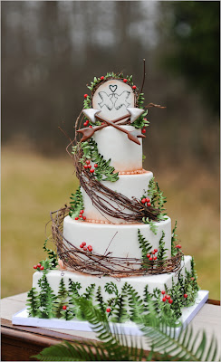 Hunger Games wedding, cake, arrows,
