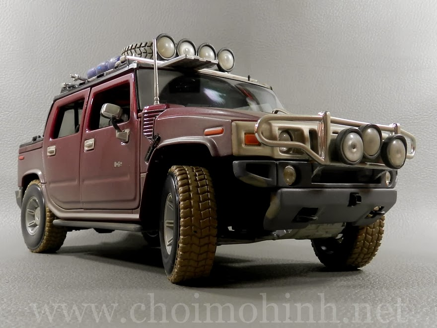Hummer H2 SUT Concept Off-Road 1:18 Maisto