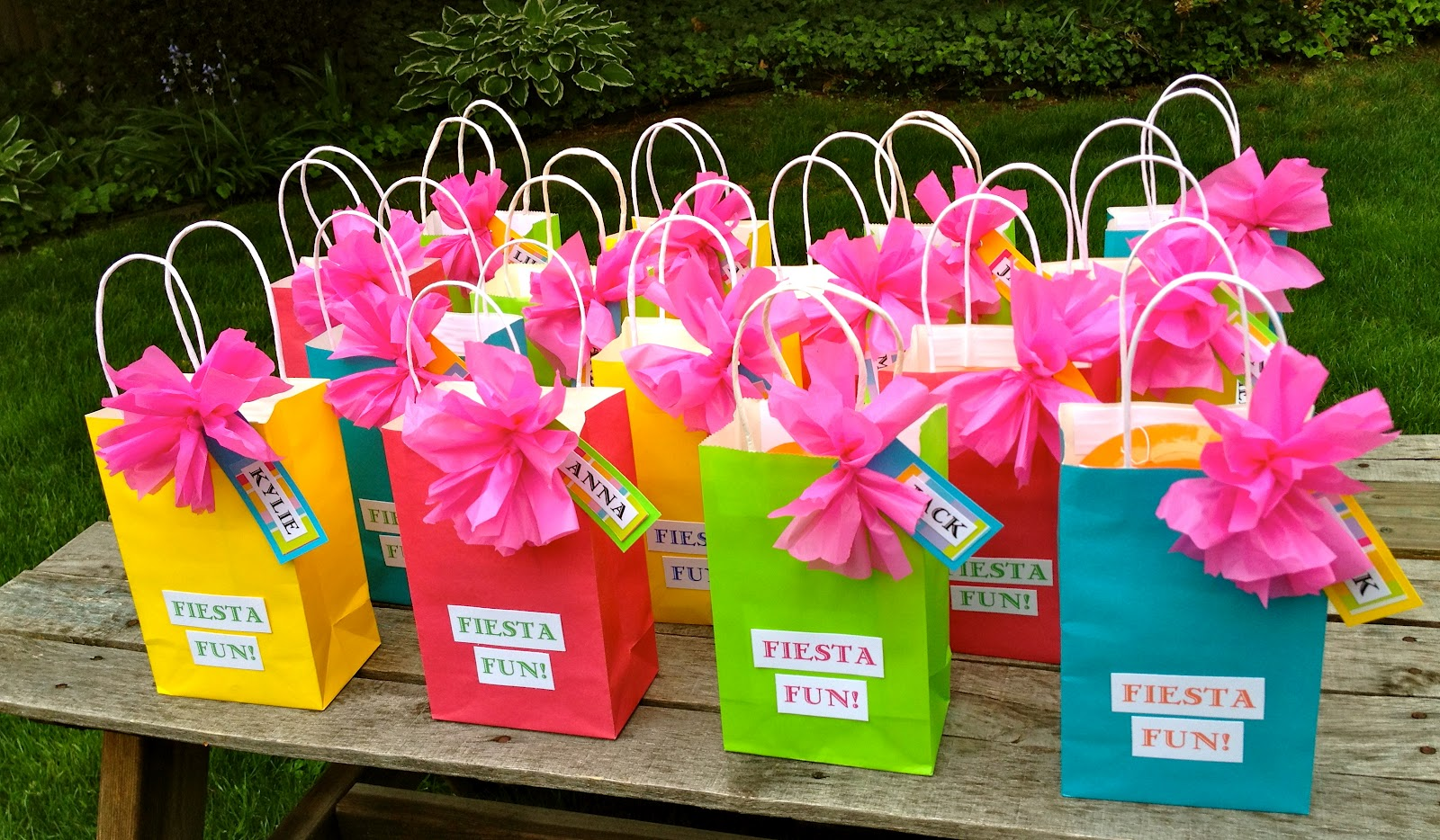 Fiesta table decorations ideas - Displaying 17 Images For Diy Fiesta Party Decorations