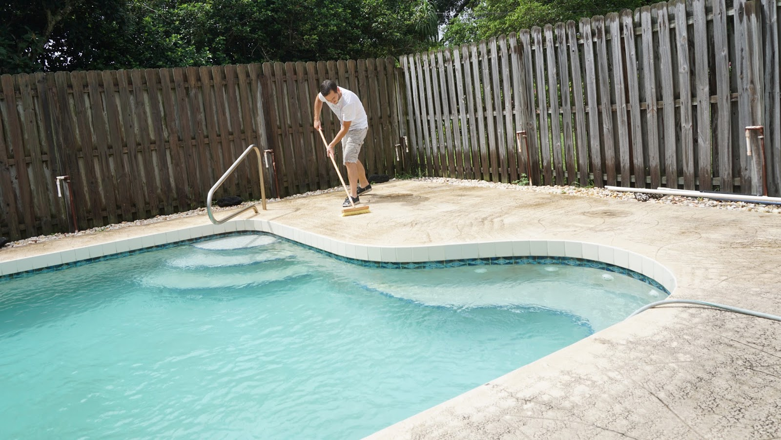 Lorraine stanick how to improve pool deck behr for Cleaning colored concrete