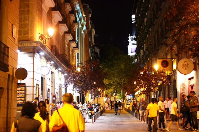 Madrid at Night | Chichi Mary Online Kid's Boutique | Blog