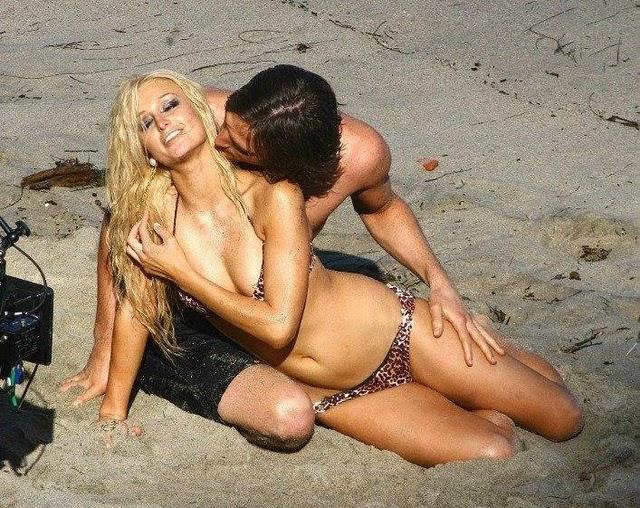 Paris Hilton Bikini Pics