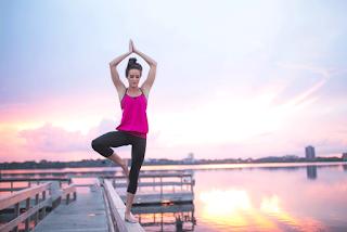 20 posturas importantes de Yoga