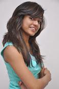 Vithika Sheru Glamorous Photo Shoot Gallery-thumbnail-13
