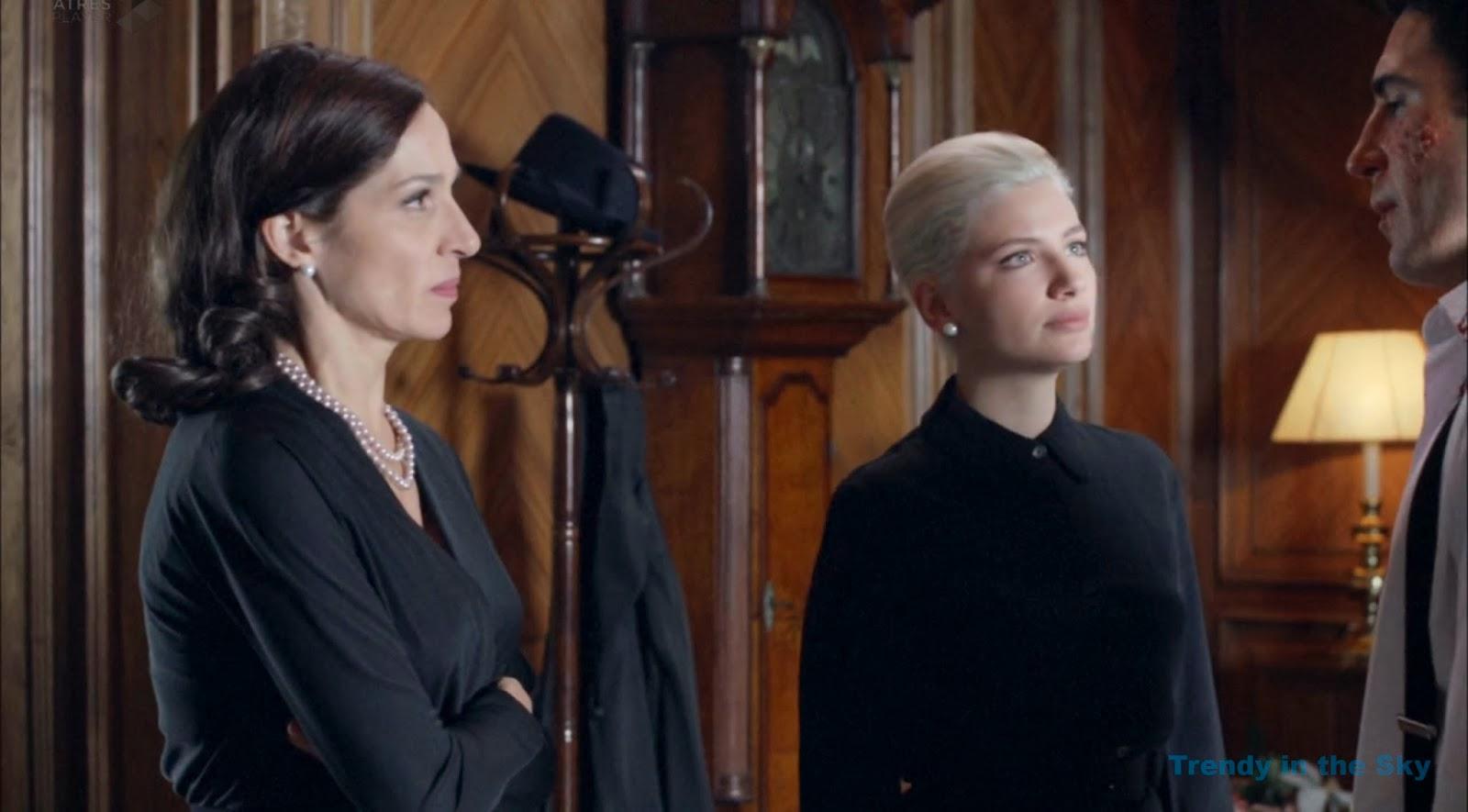 Galerías Velvet Gloria  y Patricia vestido luto. Capítulo 1