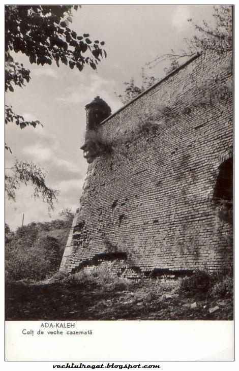 Colt de veche cazemata in Ada Kaleh