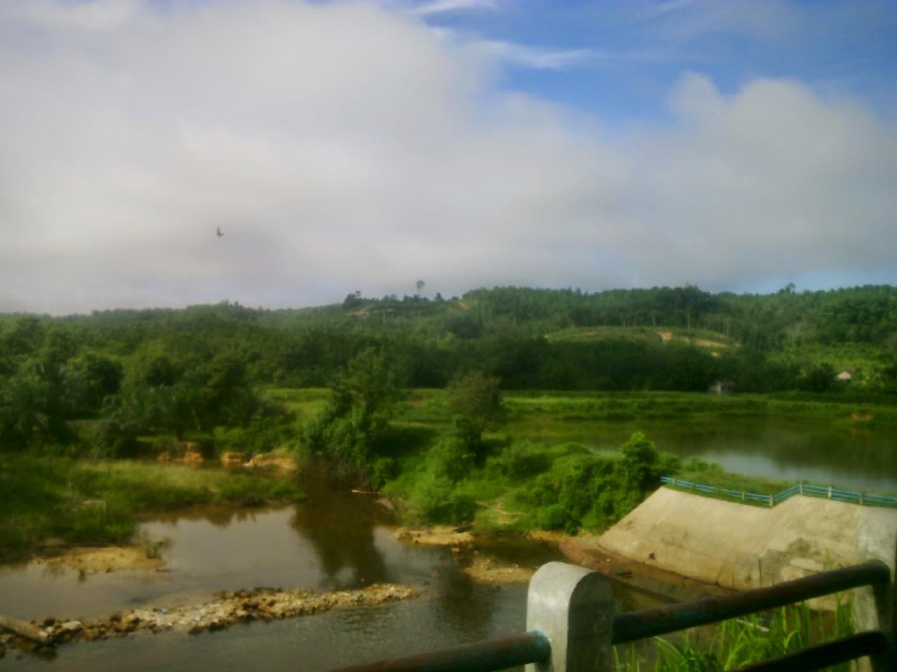 Bendungan Sungai Paku Lipat Kain