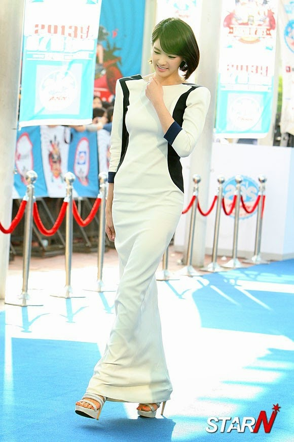 Jeong Ga Eun (정가은) - CJ E & M 'Mnet 20's Choice 2013' at the KINTEX in Daehwa