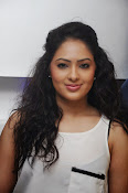 Actress Nikesha Patel photos-thumbnail-1