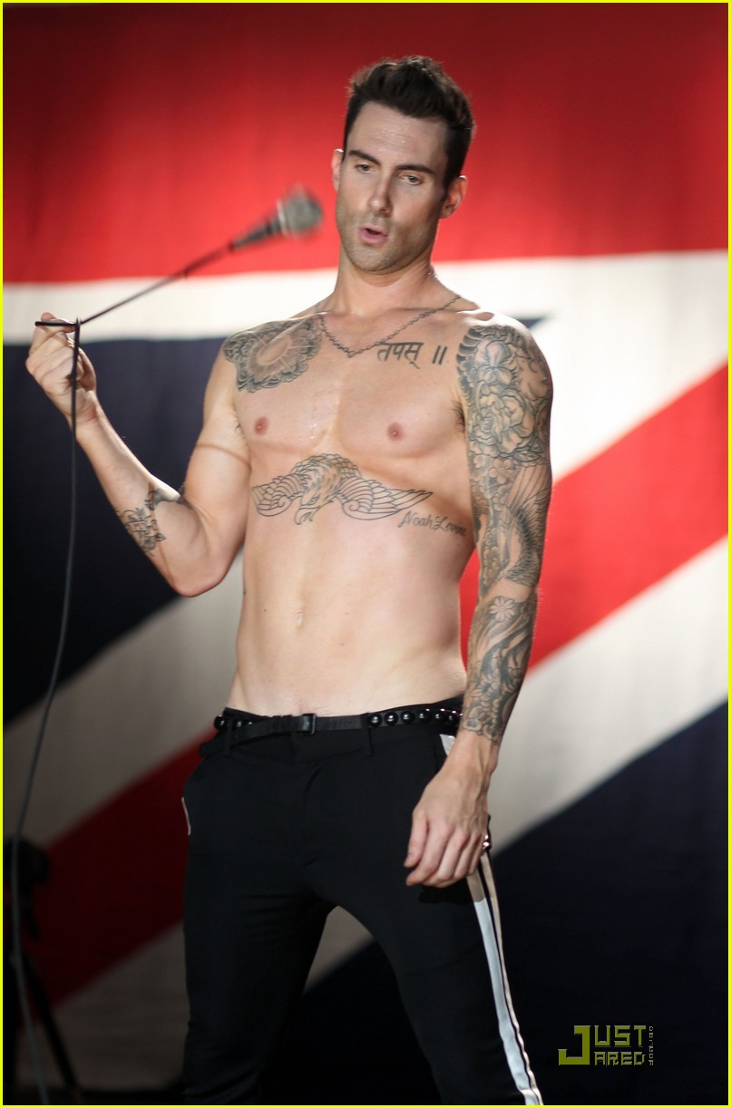 Provocative Wave for Men: Provocative Adam Levine Nude