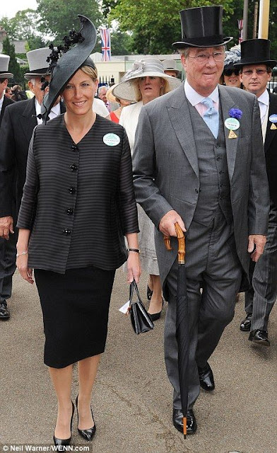 Sophie, Countess of Wessex opted an elegant black outfit on the day four of Royal Ascot, 2013