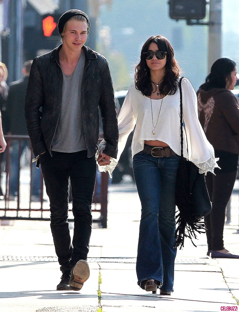 austin butler dating Austin butler height weight body statistics austin butler height -183 m, weight -68 kg, measurements -39 chest, 14 biceps, 28 waist, favorite things, shoe.