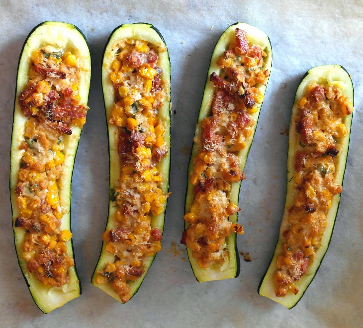 carpe culina gef llte zucchini aus dem ofen mit bacon. Black Bedroom Furniture Sets. Home Design Ideas