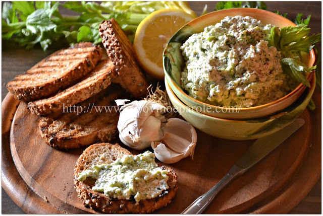 Crostini con agliata