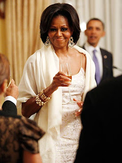 http://4.bp.blogspot.com/-X26xBukHK_k/TZHIb3XdGOI/AAAAAAAABh8/gq17z8My7Gs/s320/michelle-obama-11-435.jpg