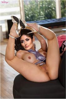 Kareena Kapoor nude chudai porn image