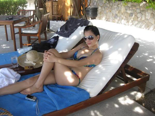 sexy filipina in bikini 01