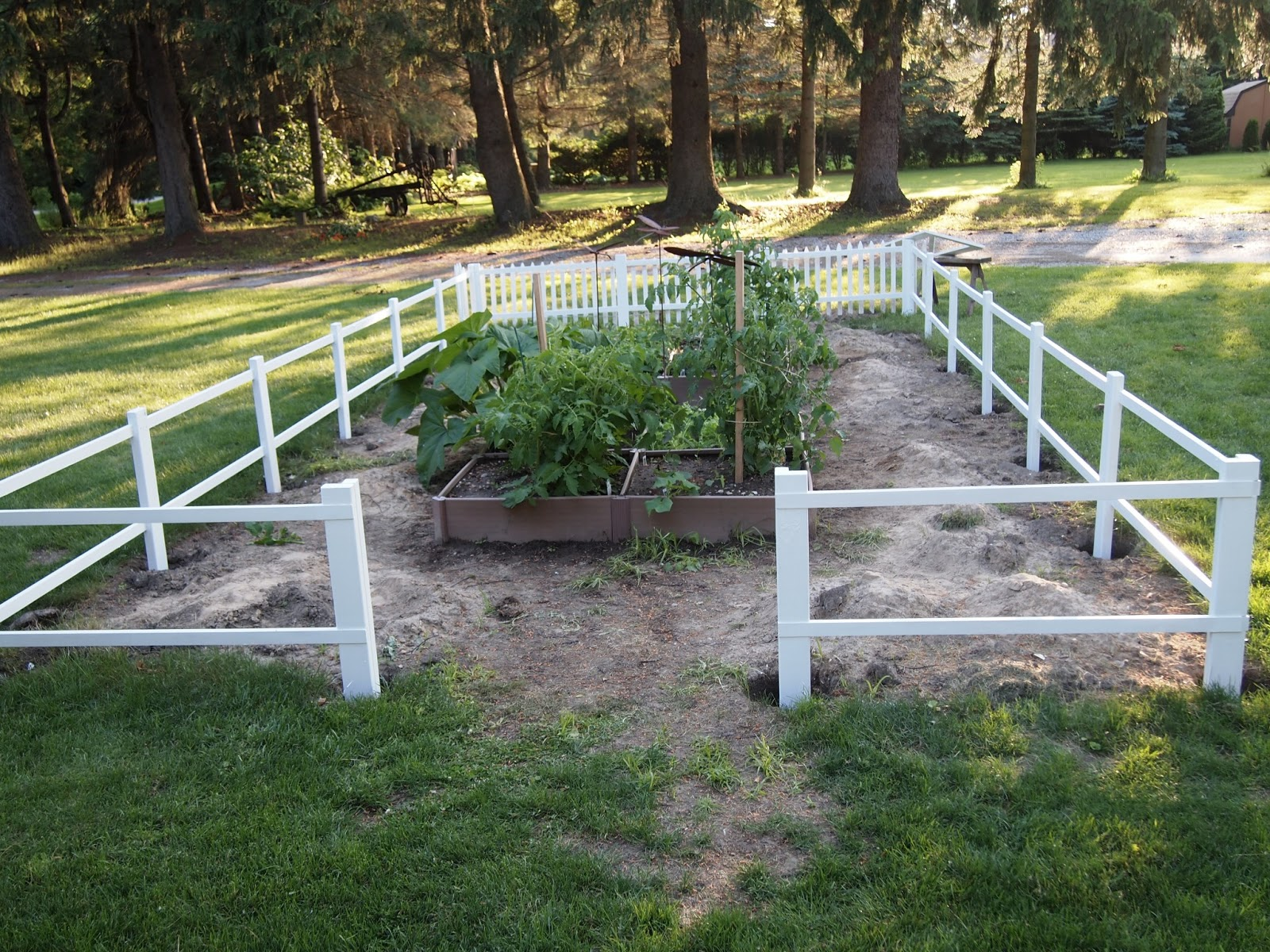My Renovated Farmhouse: How To Build a Picket Fence on