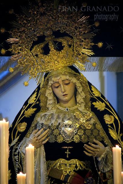 http://franciscogranadopatero35.blogspot.com/2013/11/la-virgen-del-rosario-en-la-aurora-del.html