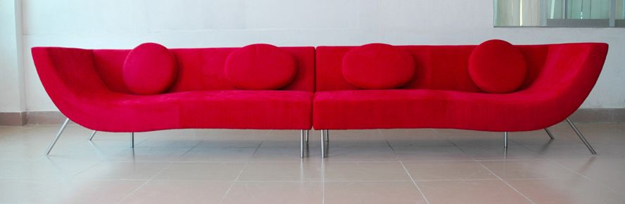 greatinteriordesig: Modern Red Sofa