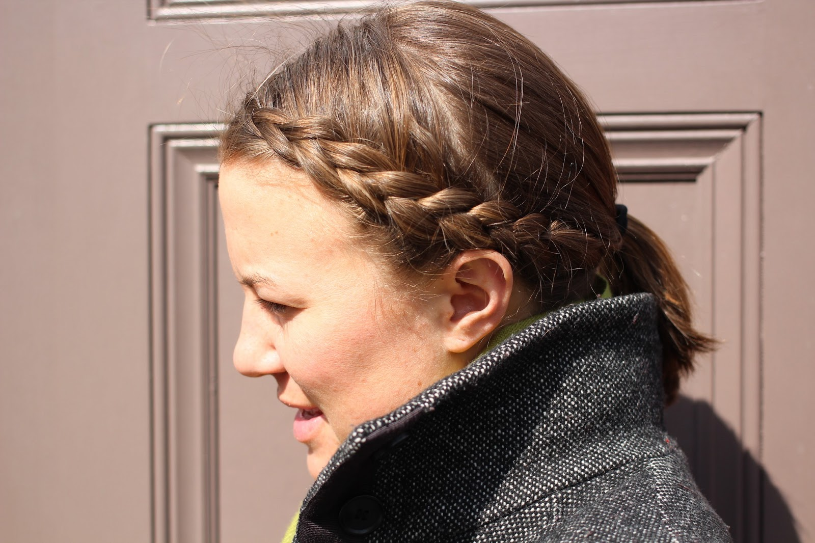 Creative Twisted Side Ponytail Is A Chic New Hairstyle For Spring And Summer