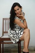 Ishika singh sizzling pics-thumbnail-15