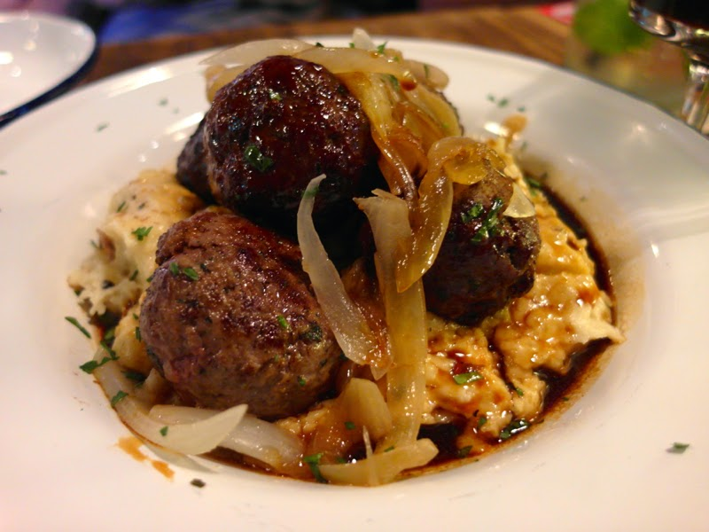 Wagyu Beef and Rosemary Balls with Onion & Red Wine sauce & Mashed Potato