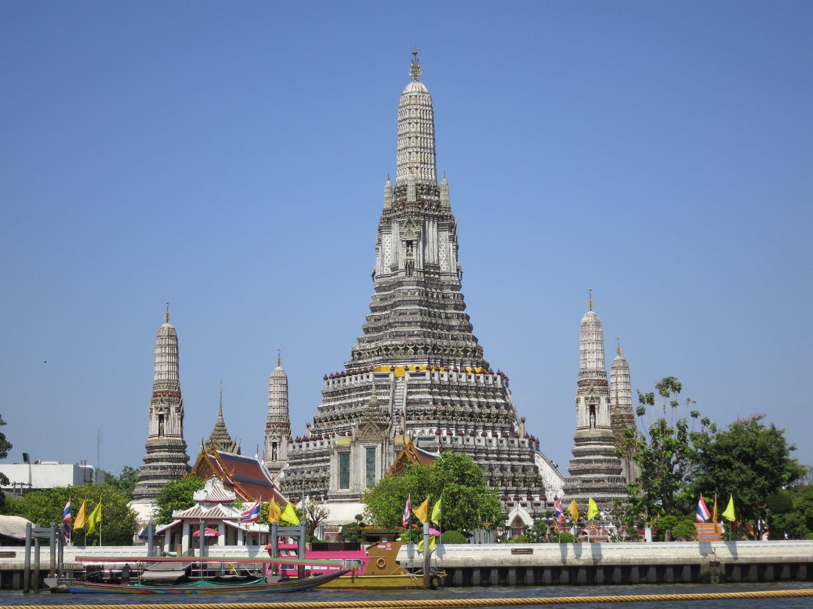 Strange Taste Horsebeans: Wat Arun