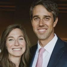 Beto O'Rourke (右):  2020年の米国大統領選 (民主党) に出馬