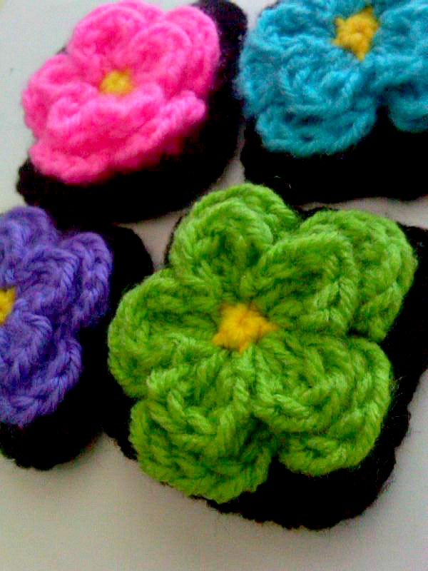 A Little Loopy, But Im Hooked: Cute Little Flower Square