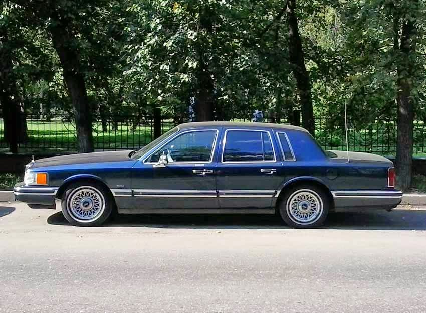 New 2015 Lincoln Town Carml