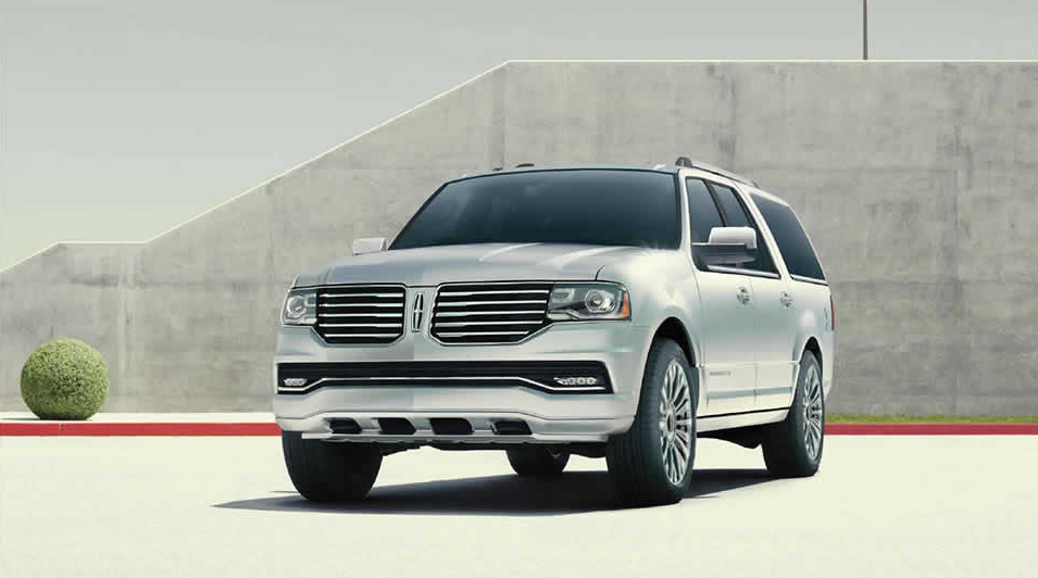 2015 Lincoln Navigator's EcoBoost Engine Improves Fuel Economy
