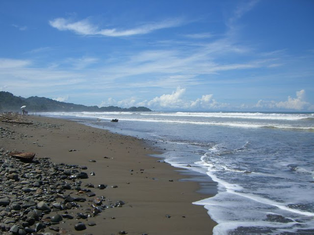 Playa Dominical, Limón