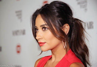 Shay+Mitchell+Looks+Gorgeous+in+Red+at+Vanity+Fair+and+FIAT+Celebration+of+Young+Hollywood++(5).jpg