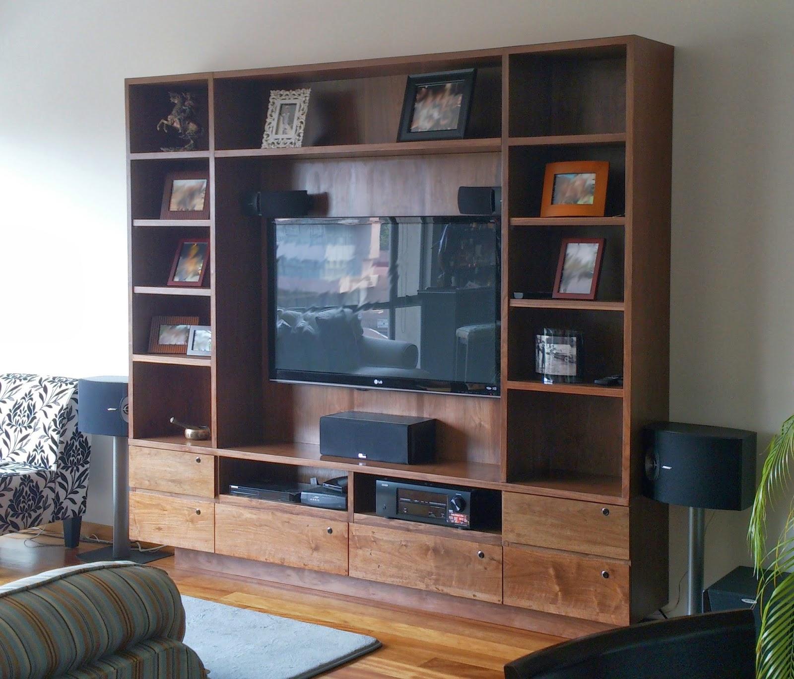 Centro de entretenimiento minimalista car interior design for Muebles diseno minimalista