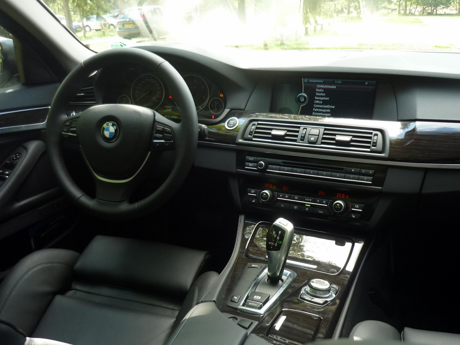 guitigefilmpjes car review bmw 520d f10. Black Bedroom Furniture Sets. Home Design Ideas