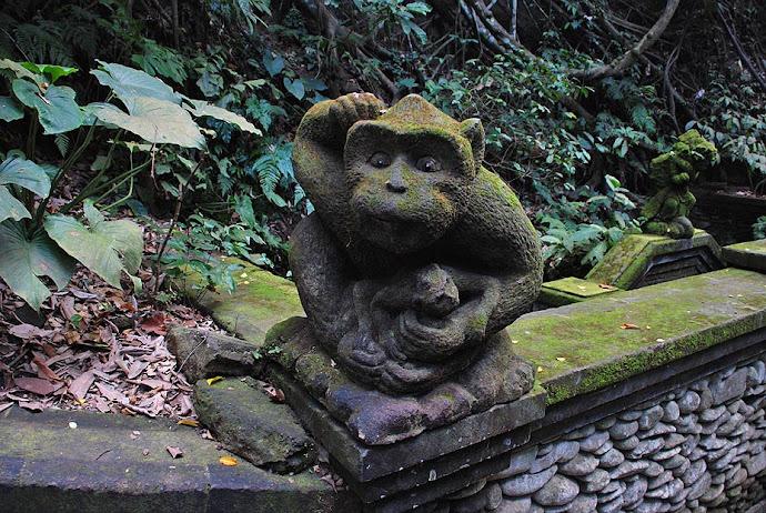 Estatua de un mono