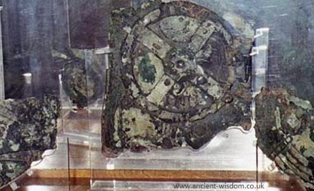 The Incredible Inner Workings Of Ancient Antikythera Mechanism Explained