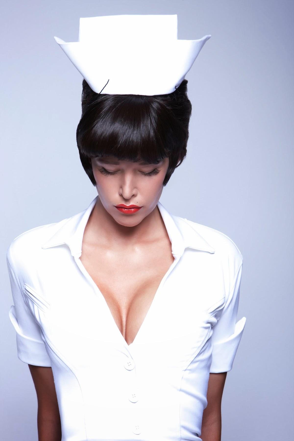 http://4.bp.blogspot.com/-X5r_GJjMi_I/Uu1r4w-pp1I/AAAAAAAARjk/hK-gsAAuWfk/s1800/nurse3.jpg
