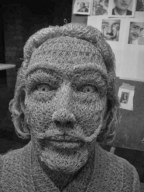 24-Salvador-Dali-Chicken-Wire-Sculptures-Sculptor-Ivan-Lovatt-www-designstack-co