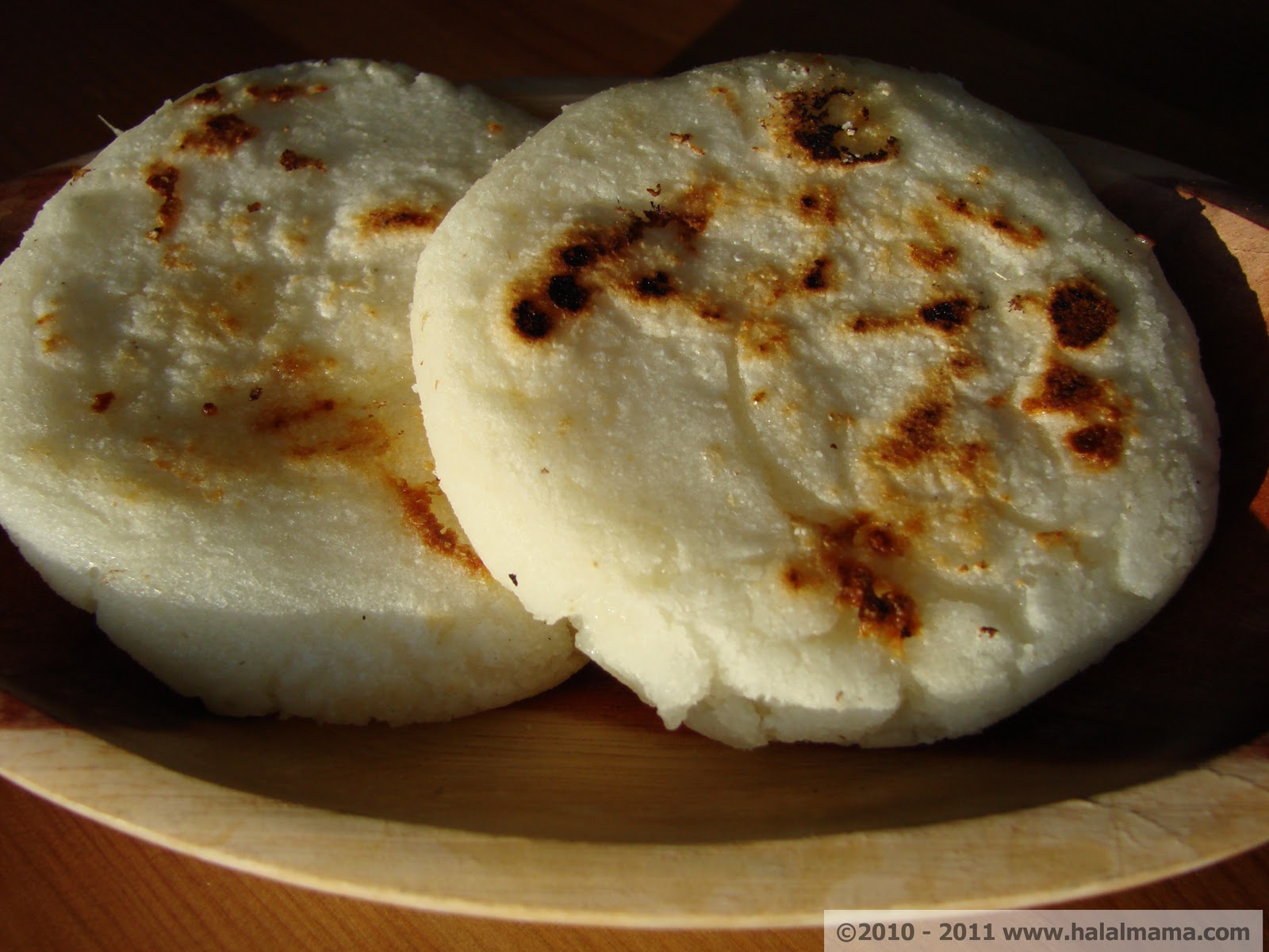 Halal Mama: Colombian Cornmeal Cakes with Cheese (Arepas ...
