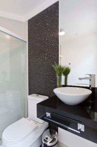 decoracao banheiro pequeno preto e branco : decoracao banheiro pequeno preto e branco:Banheiro Preto