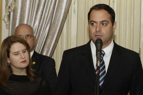 http://www.blogdofelipeandrade.com.br/2015/11/paulo-camara-reune-prefeitos-em.html
